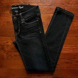 American Eagle Stretch Skinny Dark Wash 2S 2 short
